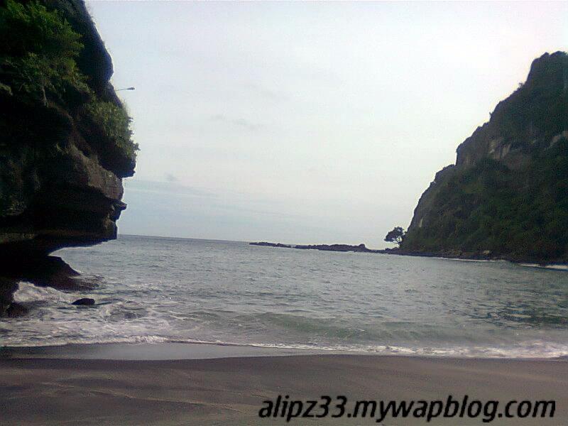 Landscape pantai tawang katipugal pacitan