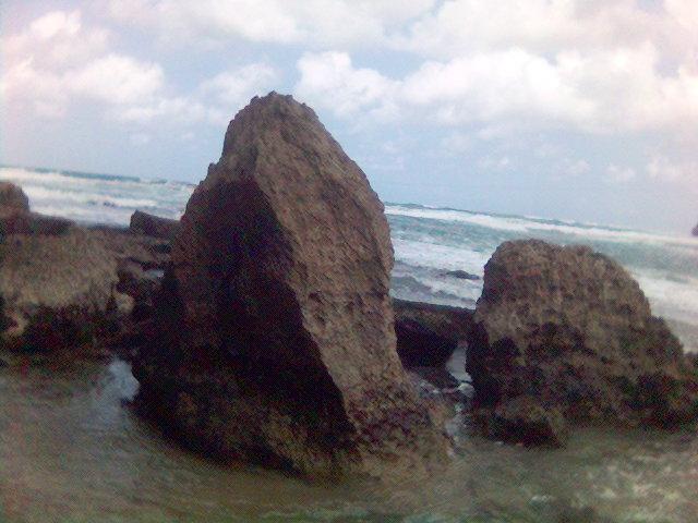 Wawaran batu - pantai pacitan