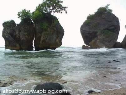 Batuan barat pantai pidakan jetak tulakan pacitan