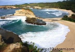 Pantai-klayar-beach-dari-atas-pantai-pacitan