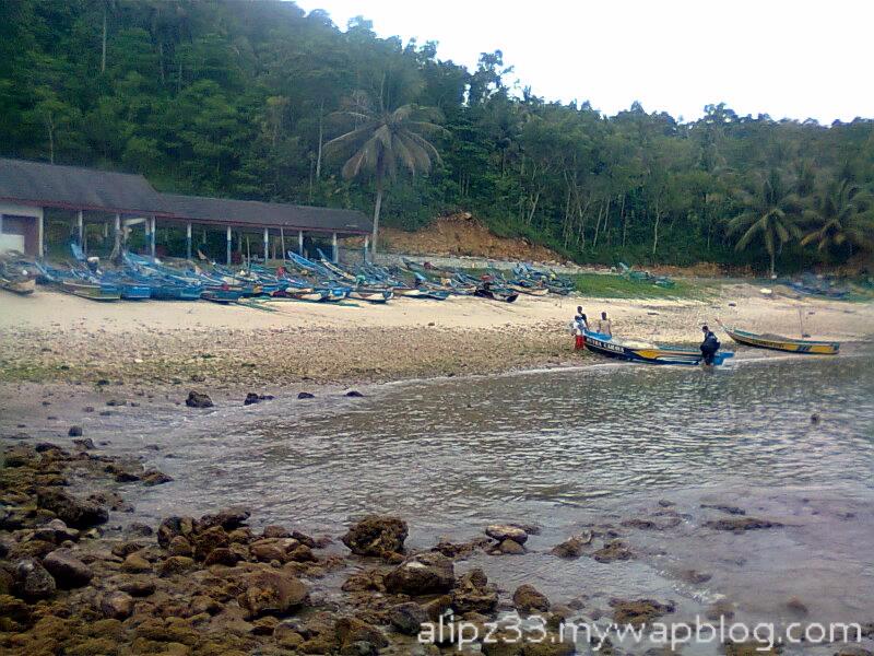 Perahu pantai wawaran ngobyok sumberejo sudimoro pacitan