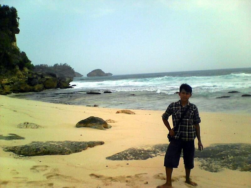 Petualang tebing timur - wisata pantai sruni jlubang pringkuku pacitan