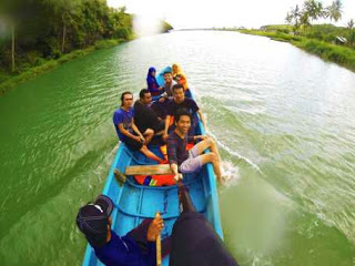 gambar foto selfie2 sungai kali maron pacitan jawa timur