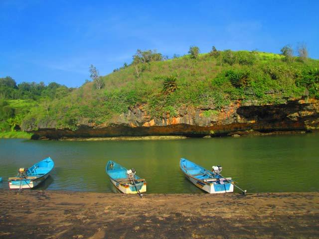 gambar foto perahu 3 sungai kali maron pacitan jawa timur