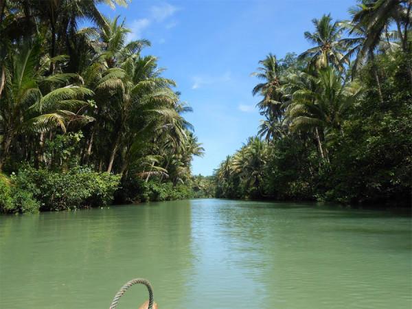 gambar foto menyusuri sungai kali maron pacitan jawa timur
