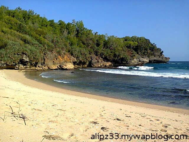 bukit timur - Pantai ngoyan worawari kebonagung pacitan jawa timur
