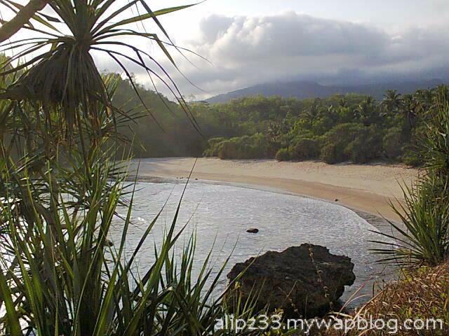 dari atas - Pantai ngoyan worawari kebonagung pacitan jawa timur