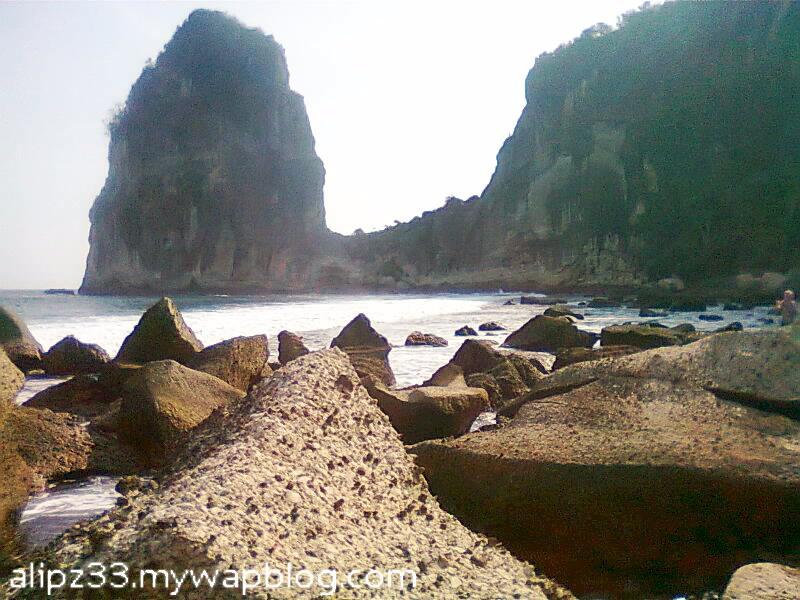 pantai pangasan kalipelus kebonagung pacitan bagian barat