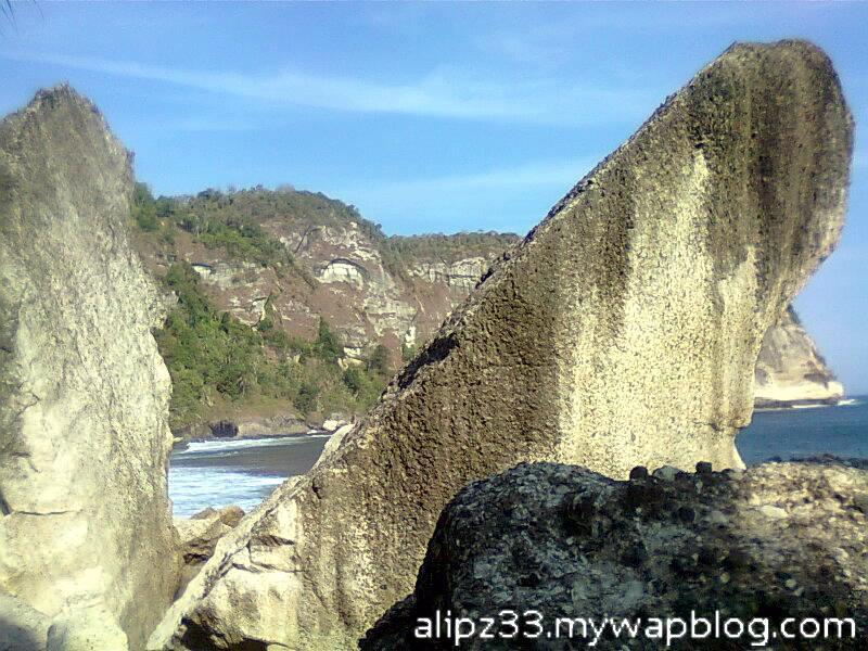 pantai pangasan kalipelus kebonagung pacitan watu sigar batu pecah