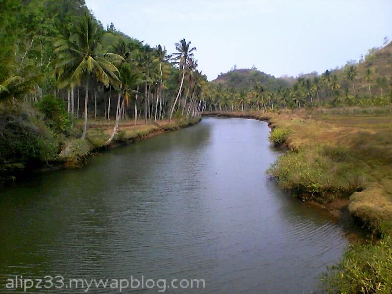 sungai cokel dekat pantai - wisata pantai sruni jlubang pringkuku pacitan