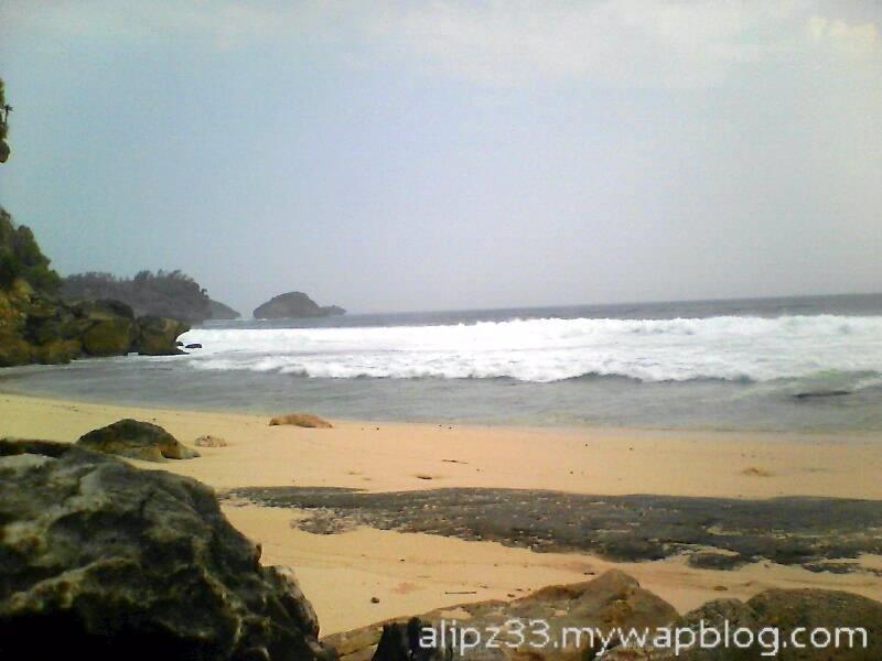 pulau pantai srau dari - wisata pantai sruni jlubang pringkuku pacitan